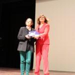 Entrega placa conmemorativa a Gloria Rodríguez